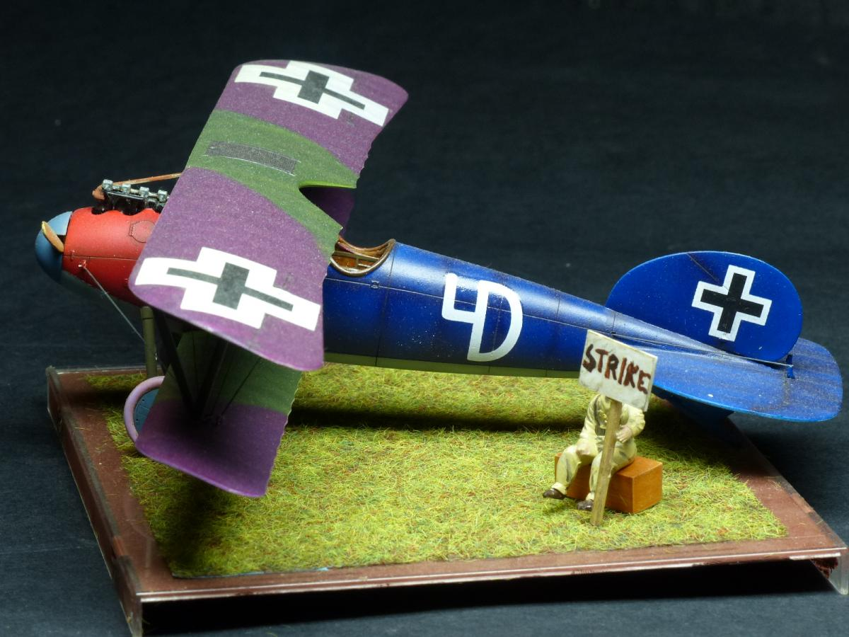 Albatros D.V biplane, Eduard 1/48 Weekend Edition ...