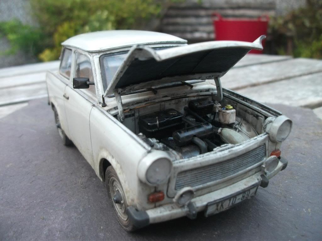 Trabant Car In The Dust Revell 1 24 Plastic Models World
